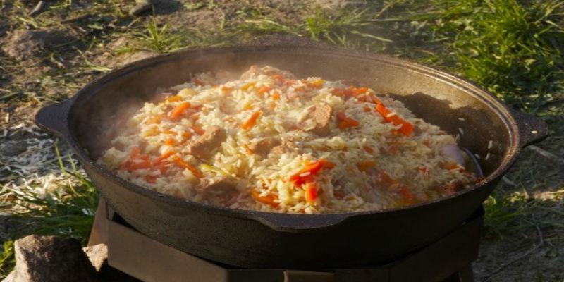 как приготовить плов в казане с курицей