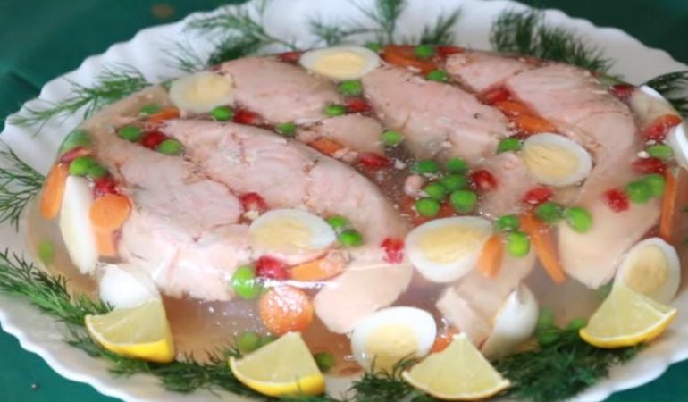 Как приготовить заливную рыбу