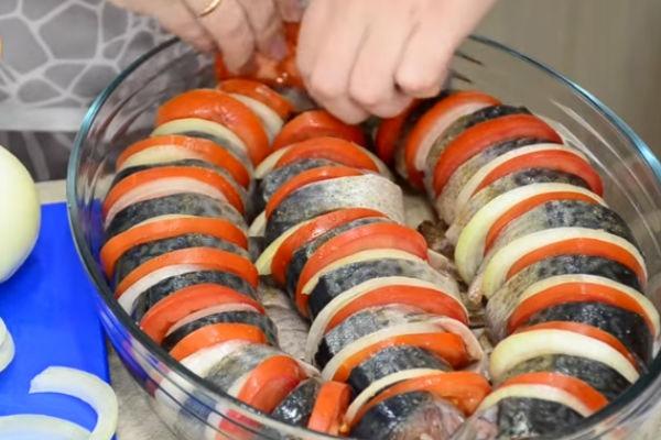 Вкусная скумбрия запеченная в духовке