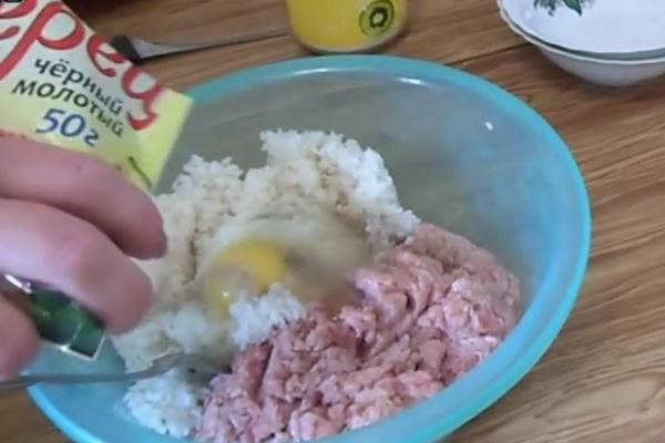 Тефтели с фаршем и рисом в духовке