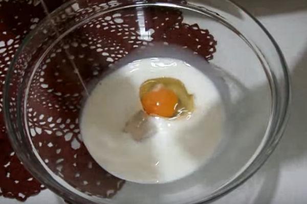 Оладьи на дрожжах с молоком