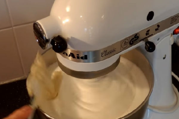 Пошаговый рецепт по ГОСТу торта Птичье молоко как сделать в домашних условиях (сфото)
