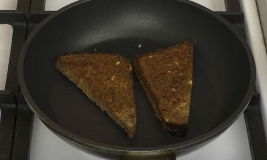 Бутерброд со шпротами