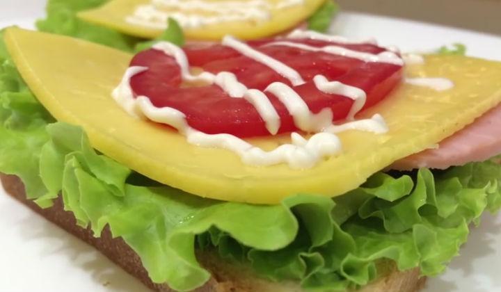 Холодный бутерброд
