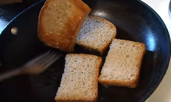 Бутерброды со шпротами и свежим огурцом