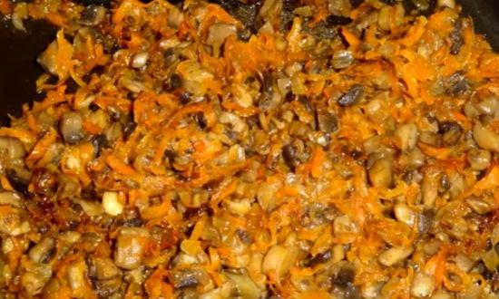Салат Подсолнух с чипсами и ветчиной