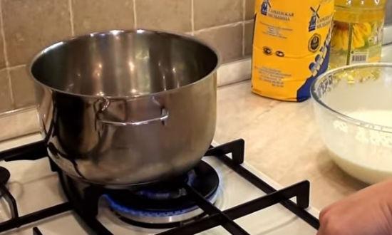 Тонкие с дырочками блины на кефире – 10 рецептов вкусных блинчиков с фото