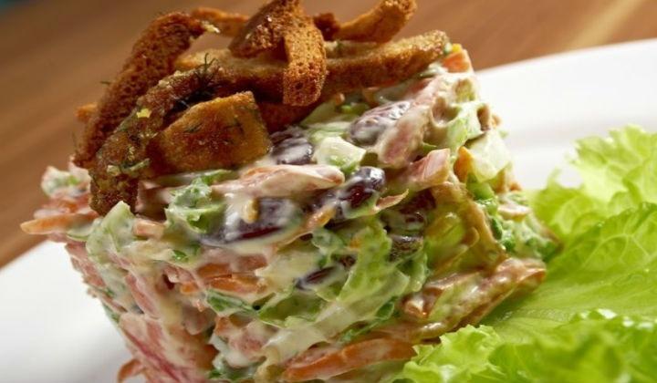 Пивной салат с фасолью