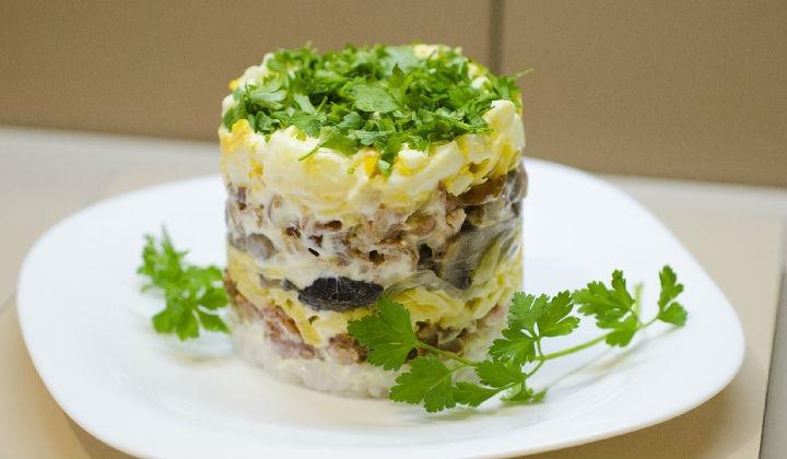рецепты салатов с фото простые и вкусные с курицей