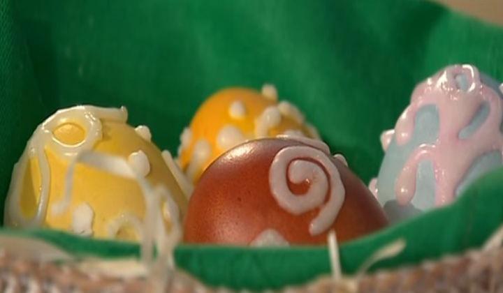 Декоративная окраска яиц сахаром