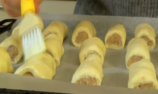 Пирожки из слоеного теста с мясом