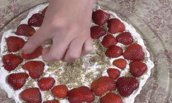 Торт из зефира без выпечки с фруктами, ягодами и орехами – 7 рецептов с фотографиями