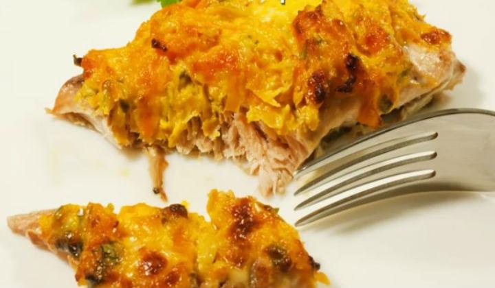 Горбуша запеченная в духовке с сыром и овощами