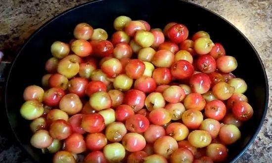 Добавляем ягоду