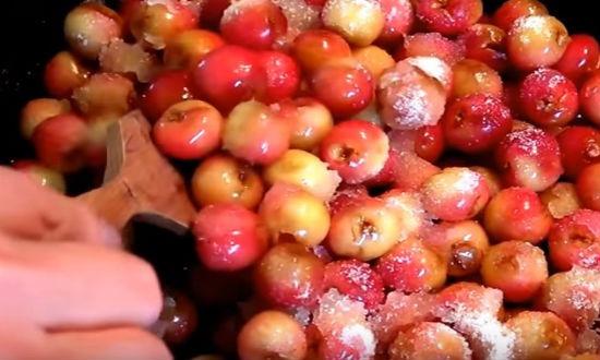 Варим ягоду