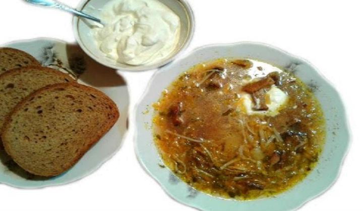Грибной суп из сушеных грибов с лапшой