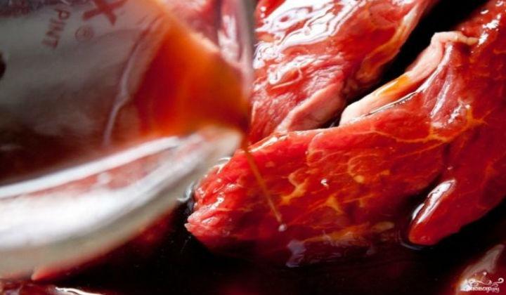 Брусничный маринад для шашлыка из говядины