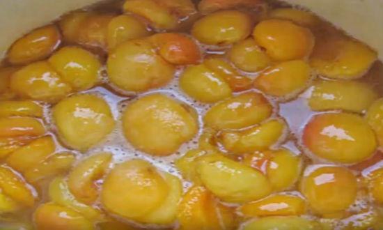 Варим в сиропе абрикосы