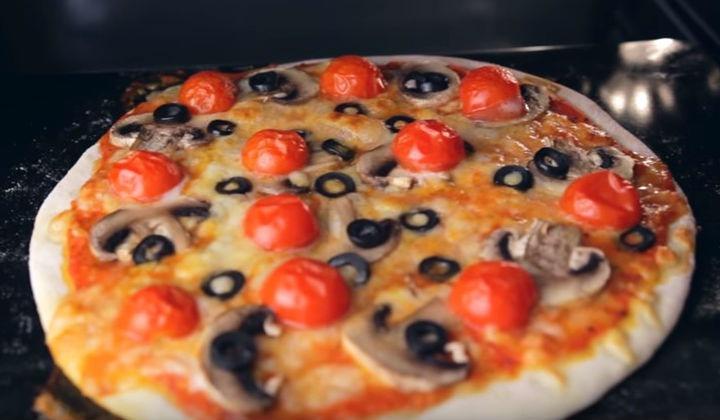 Пицца легкая с корочкой