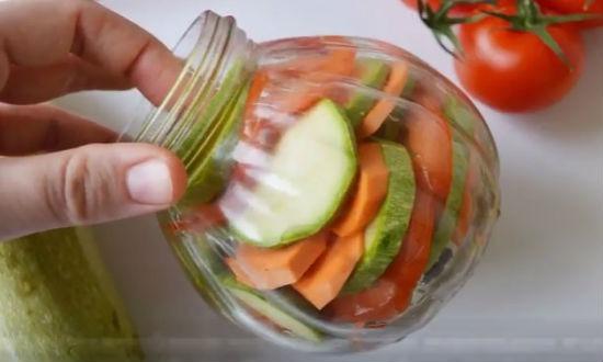 овощи в банке