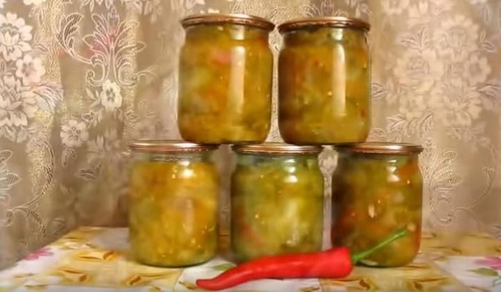 Салат из зеленых помидор на зиму по-корейски