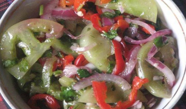Салат из зеленых помидор на зиму по-грузински