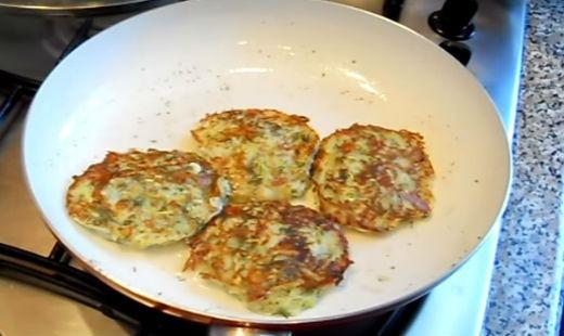 Оладьи из кабачков, рецепты простых оладий, приготовленных быстро и вкусно