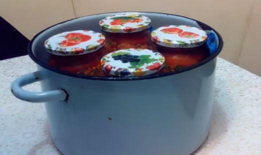 Помидоры по-корейски, самый вкусный рецепт быстрого приготовления на зиму