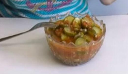 Вкусный готовый салат в салатнице