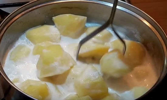 Толчем картошку
