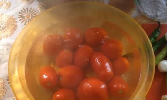 Залитые кипятком помидоры