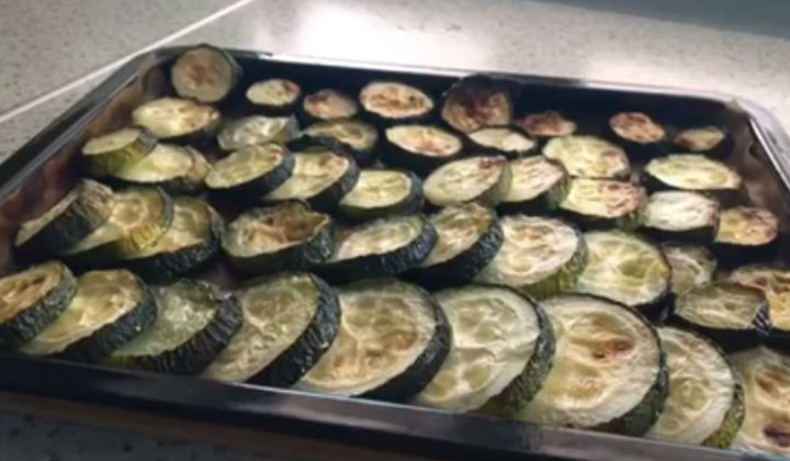 Zucchini baked in the oven