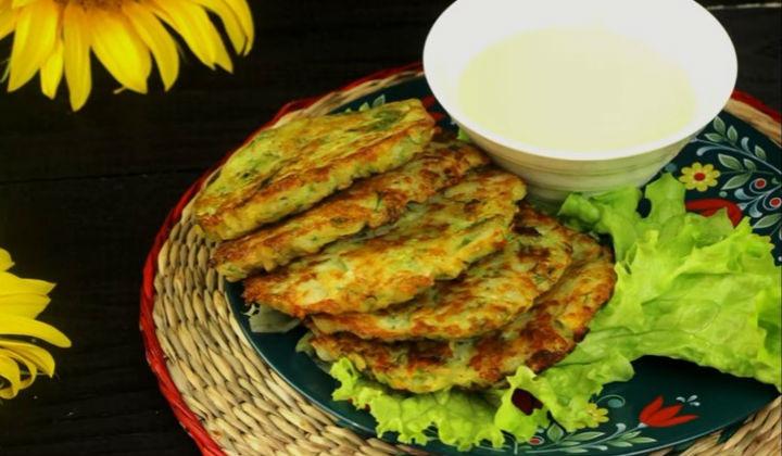 Оладьи из кабачков с картошкой и луком