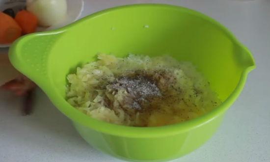 Смешиваем рис с капустой