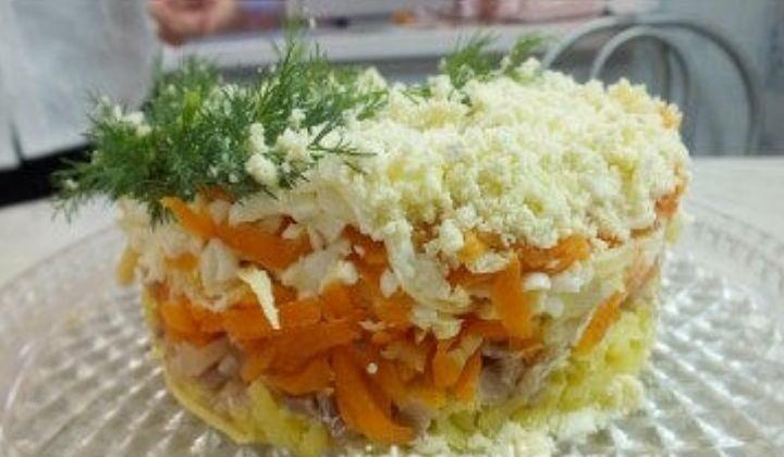 Необычный салат мимоза