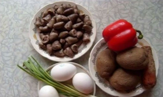 Подготавливаем продукты к салату