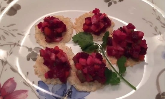 Сервируем винегретом крекеры