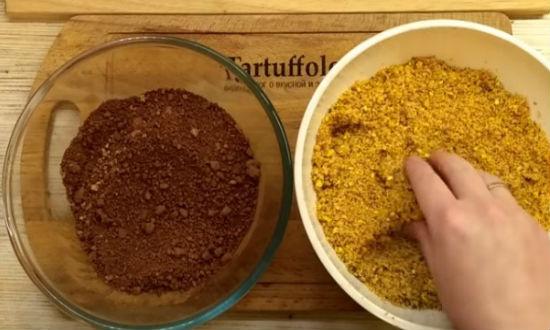 Два вида измельченных сухарей