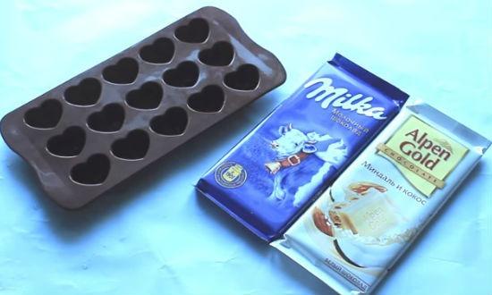Шоколад и силиконовая форма