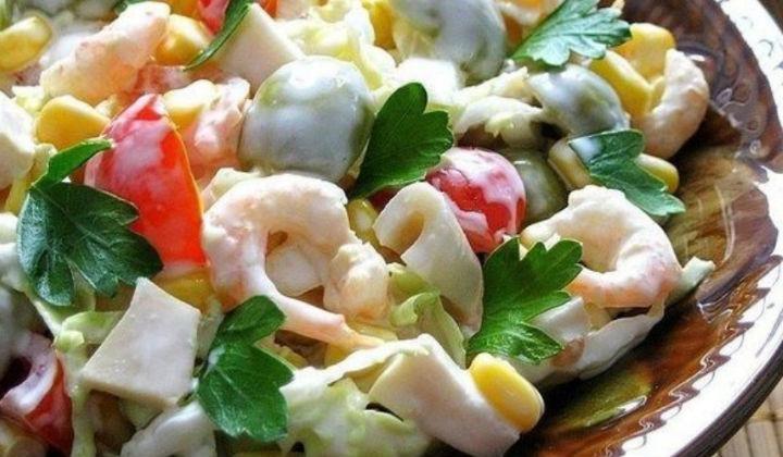 Самые вкусные и простые салаты из кальмаров 2
