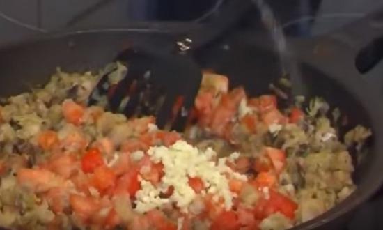 Фаршированные кальмары - 8 рецептов приготовления в домашних условиях