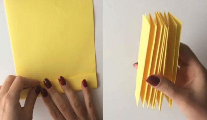 Сгибаем лист в гармошку