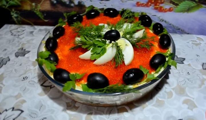 Салат с тунцом и грибами