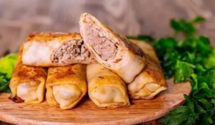 Pancakes stuffed with minced meat