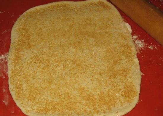 Тесто посыпанное сахаром