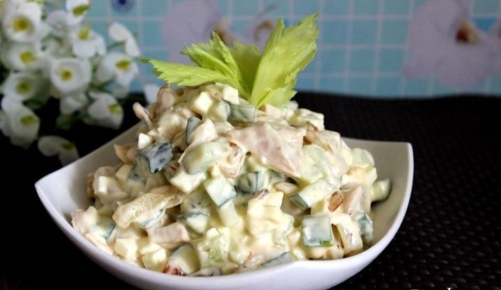 Салат с консервированным тунцом, огурцом и яйцом. Простые рецепты очень вкусных салатов