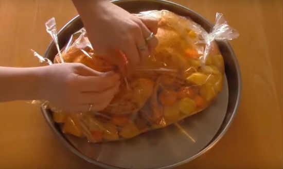 Курица в духовке целиком с хрустящей корочкой. 7 простых рецептов вкусной курицы