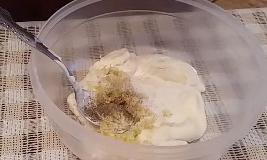 майонезно - чесночный соус