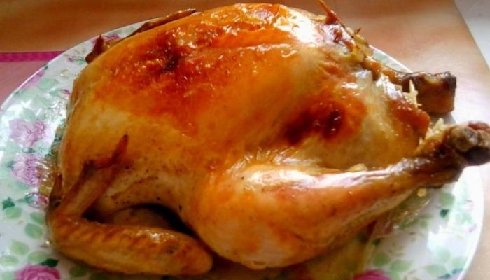 запеченная фаршированная курица