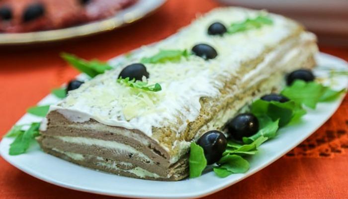 торт с сыром и чесноком